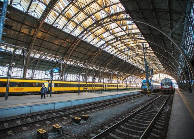 Tren Estaci�n