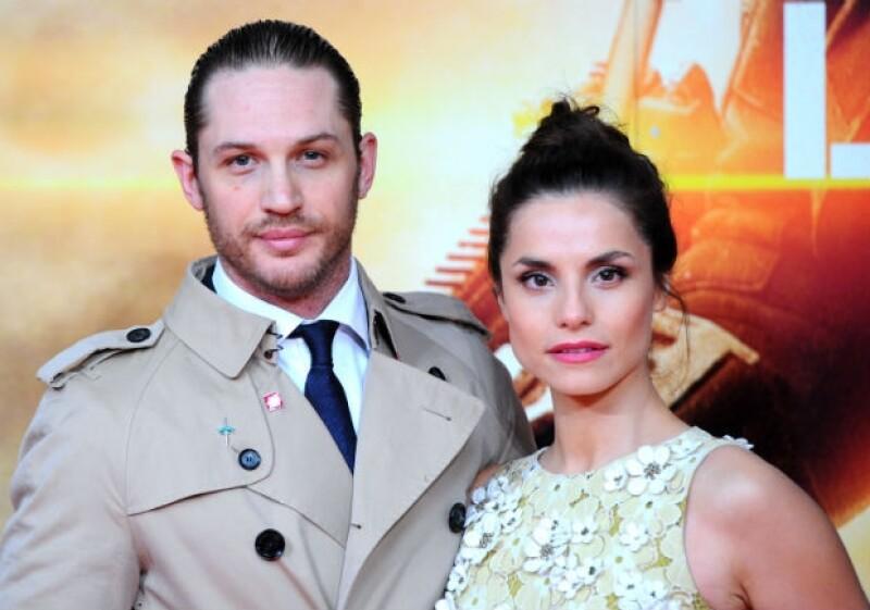 Tom Hardy y Charlotte Riley llevaron un noviazgo público, pero parece que la boda fue todo un secreto.