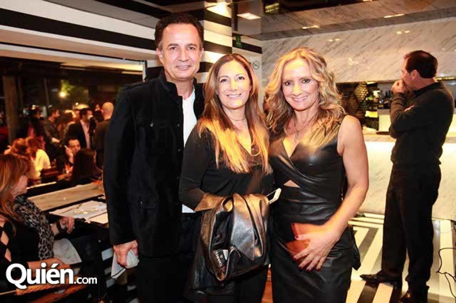 Luis Morfin,Lorenza Vildosola y Carmen Morfin