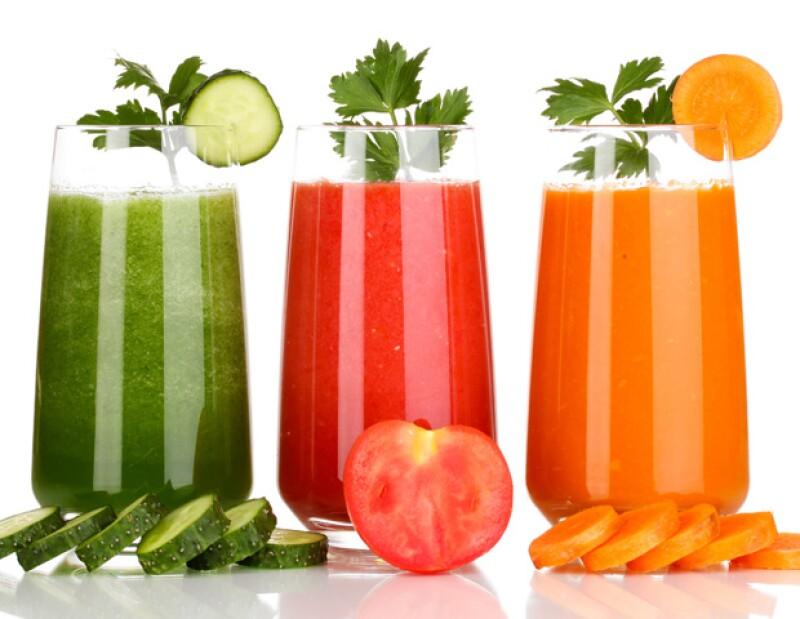 Te contamos que bebidas le hacen bien a tu piel, la hidratan y evitan marcas de envejecimiento.