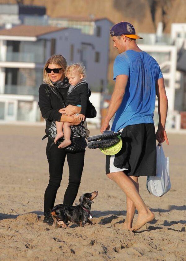 Fergie y Josh Duhamel demostraron en todo momento el gran amor que sienten por su hijo Axl, a quien no dejaron de abrazar y besar durante el día.