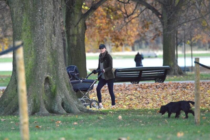 Lupo, el cocker spaniel de la familia, los acompañó en el paseo.