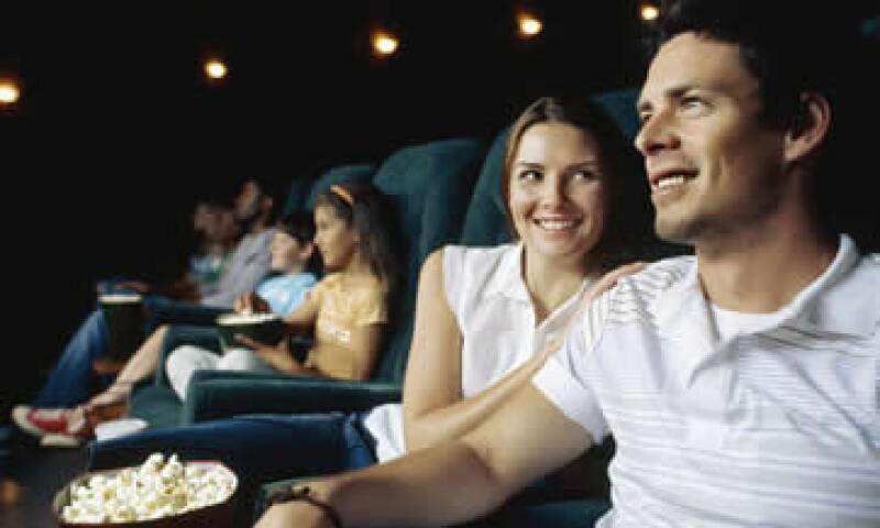 Ir al cine puede ser una opción para evitar caer en la tentación de comprar compulsivamente. (Foto: Thinkstock)