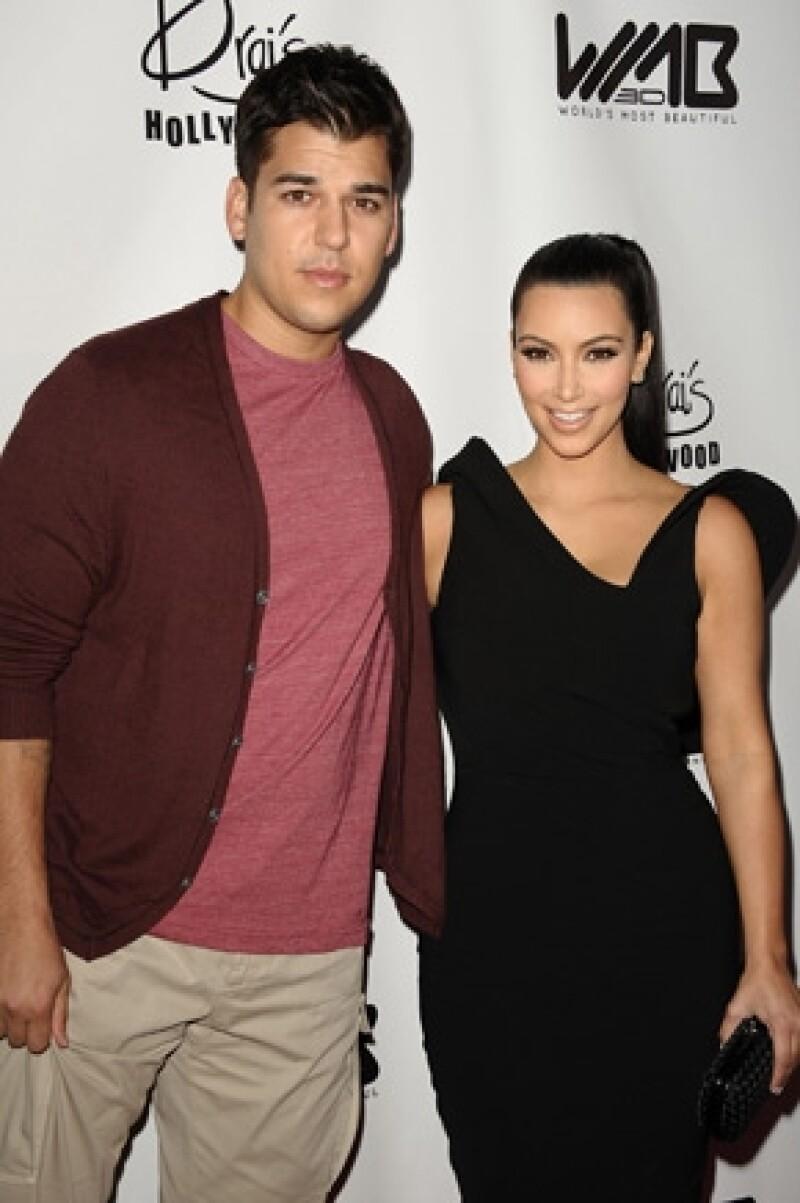 Su sobrepeso y el hecho de no tener una relación tan cercana con su hermana mayor, el único hombre Kardashian no está seguro si viajará a París para el gran día.