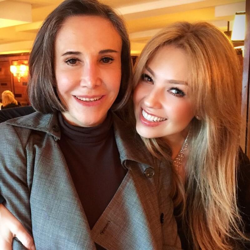 Thalía presumió su selfie con la esposa de Chespirito Florinda Meza.