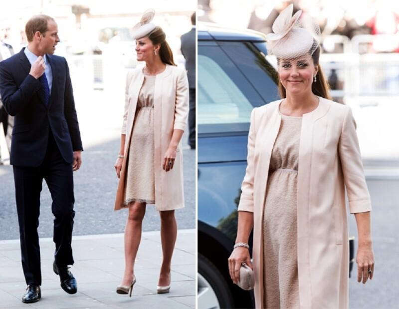 Ni en la última etapa de su embarazo, Kate suelta sus zapatos favoritos.