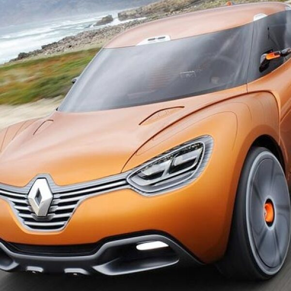 La francesa también apareció en el AutoShow de Ginebra con esta SUV, que logra  una velocidad máxima superior a los 300 km/h y emite tan solo 90 gramos de dióxido de carbono por kilómetro recorrido.