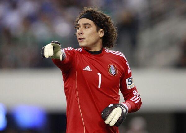 Guillermo Ochoa 2011