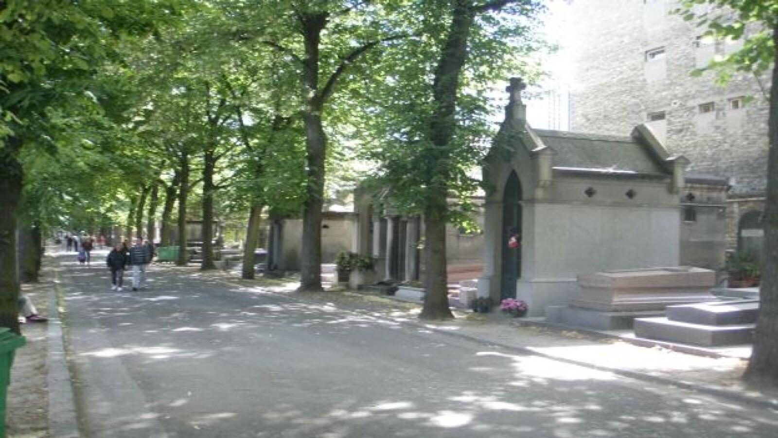 PD Alrededores tumba  Porfirio Diaz Paris 7