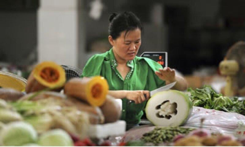 Los precios al consumidor aceleraron a 2.7% en junio desde el 2.1% de mayo.  (Foto: Reuters)