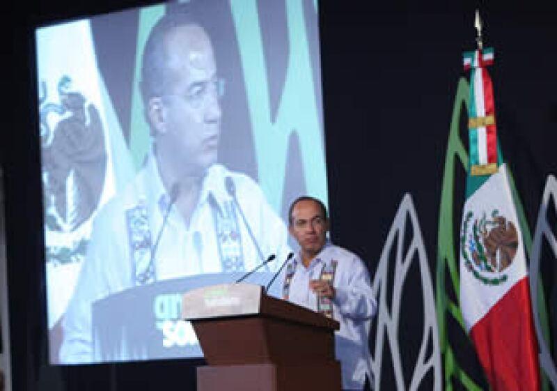El verano de 2010 fue el más lluvioso en toda la historia de México, destacó el presidente Felipe Calderón. (Foto: Cortesía Presidencia)