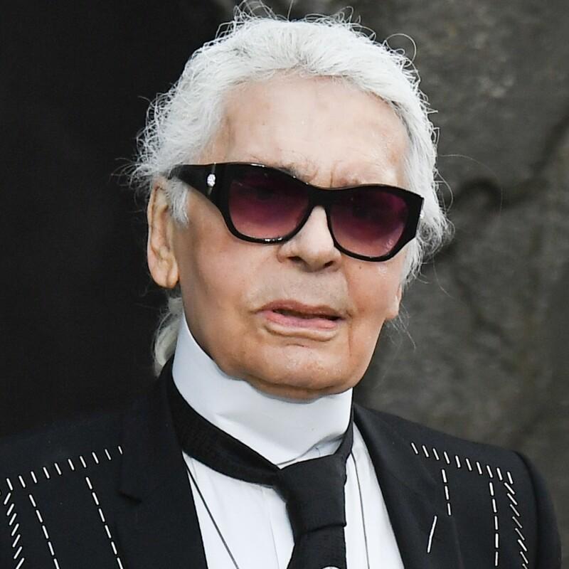 b74b53c5977 La imagen del glamouroso Karl Lagerfeld sin un diente acapara ...