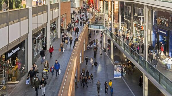 Poblando centros comerciales