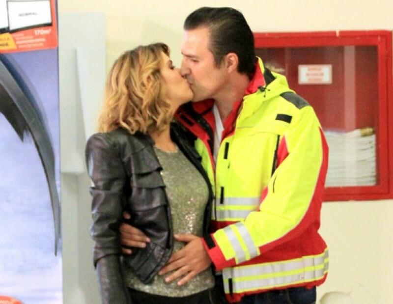 Claudia y Billy no ocultan su amor, son el uno para el otro.