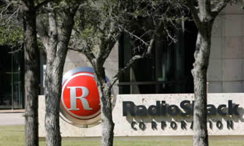 En el 2011, las ventas de RadioShack en tiendas de al menos un año cayeron un 2.2% y bajaron en el primer trimestre del 2012. (Foto: AP)
