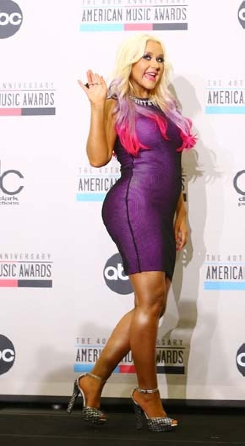 Aguilera ha asegurado sentirse feliz con su figura.