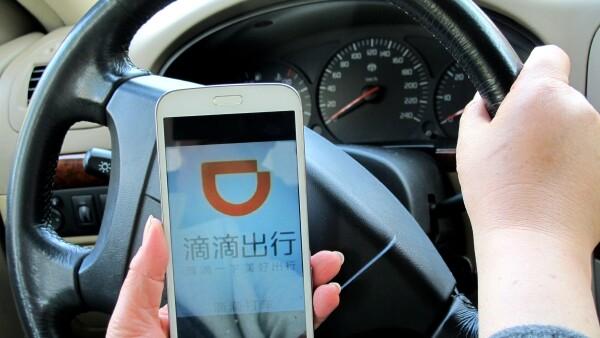 Apple intenta revitalizar sus ventas en China con una inversión millonaria en el servicio Didi Chuxing.