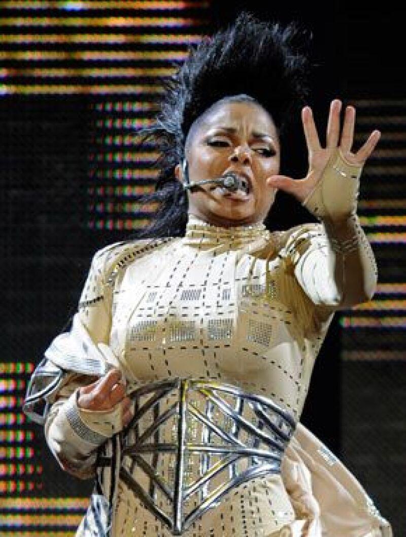 """La cantante de 42 años canceló los siete conciertos """"Rock Witchu"""" que fueron postergados debido a un malestar físico."""