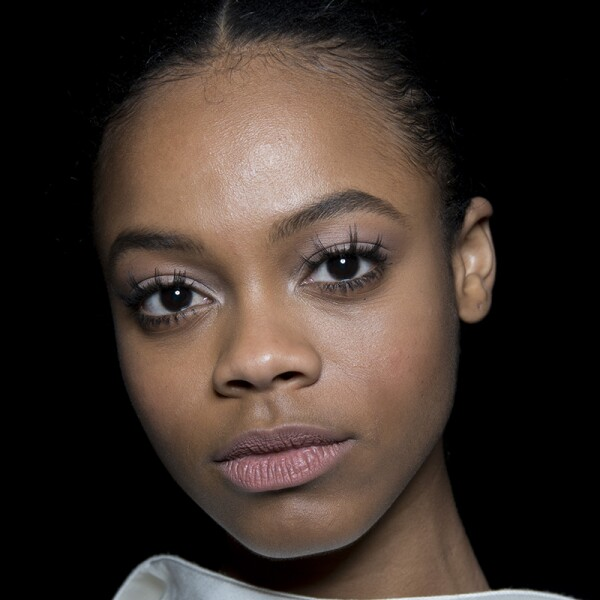 nyfw-beauty-belleza-looks-Brandon-Maxwell