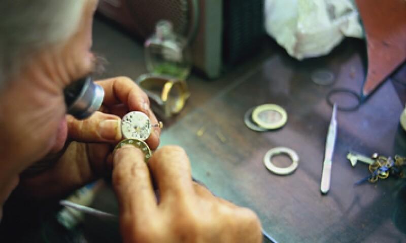 El factor más importante por el que los relojes suizos son tan respetados, es por la enorme tradición que ofrecen en la fabricación de cada una de sus piezas. (Foto: Getty Images)