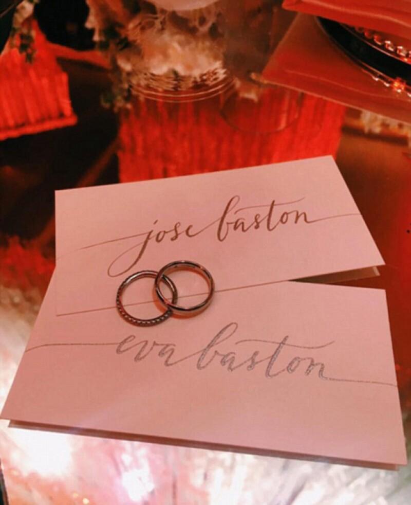 La primera foto de los anillos de casados de Pepe Bastón y Eva Longoria, ahora `Mr. and Mrs. Bastón´.