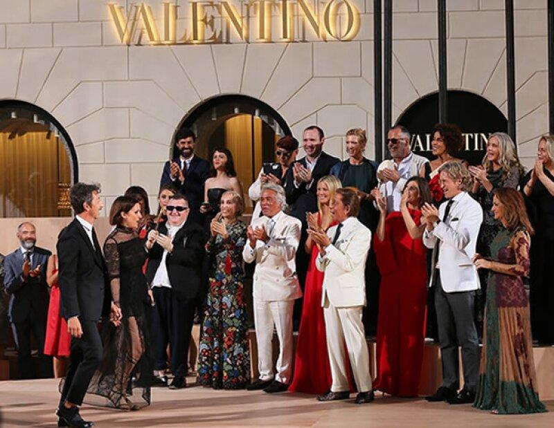 La colección de Alta Costura Fall Winter 2016 de Valentino les valió una ovación de pie.
