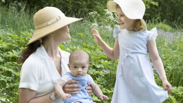 Estelle, Alexander y Leonore de Suecia