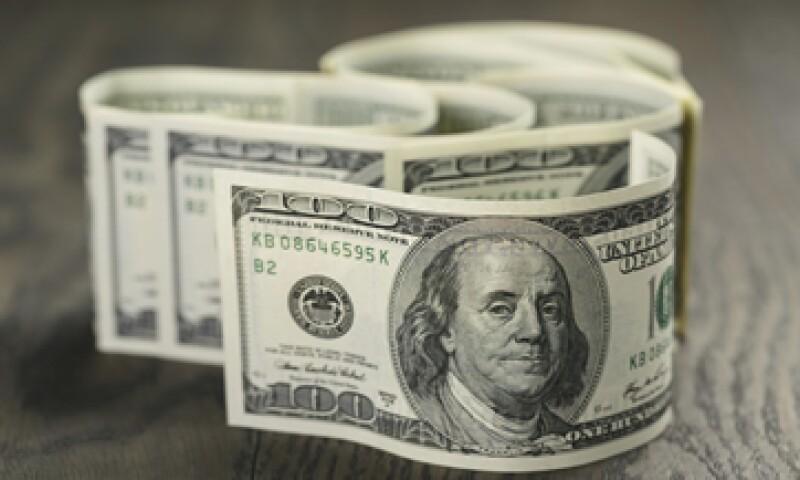 En ventanillas bancarias, el dólar sube 10 centavos respecto al cierre del martes. (Foto: iStock by Getty Images)