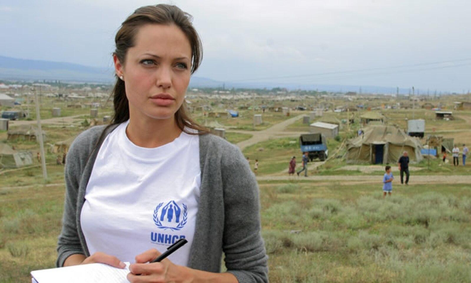 En 2003 visitó un campo de refugiados cerca de Chechenia.