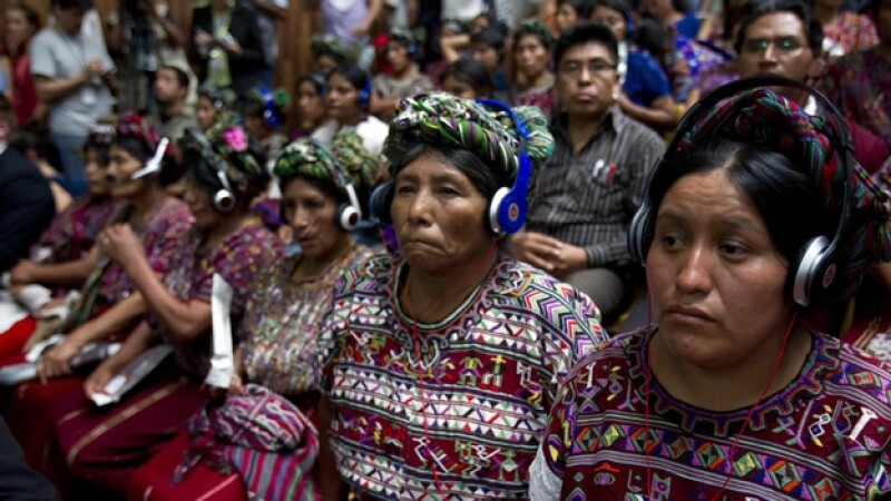 indigenas ixil escuchan el veredicto contra rios montt