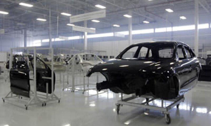 La producción de vehículos se contrajo en un 1% a tasa interanual, informó la Asociación Mexicana de la Industria Automotriz (Foto: Cuartoscuro/Archivo)