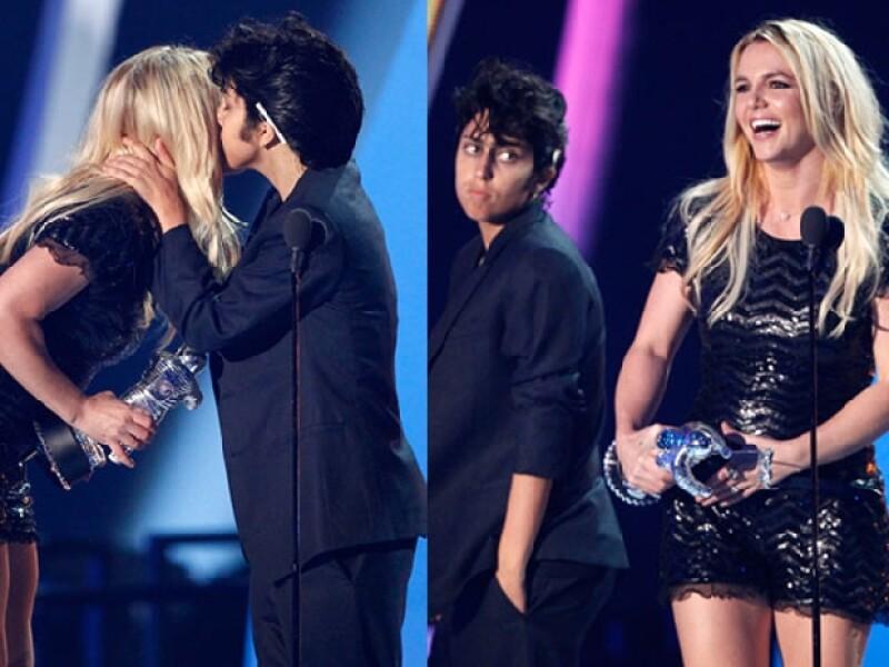 Aunque lo intentó, Lady Gaga no pudo obtener lo que quería, un beso en la boca con Britney Spears.