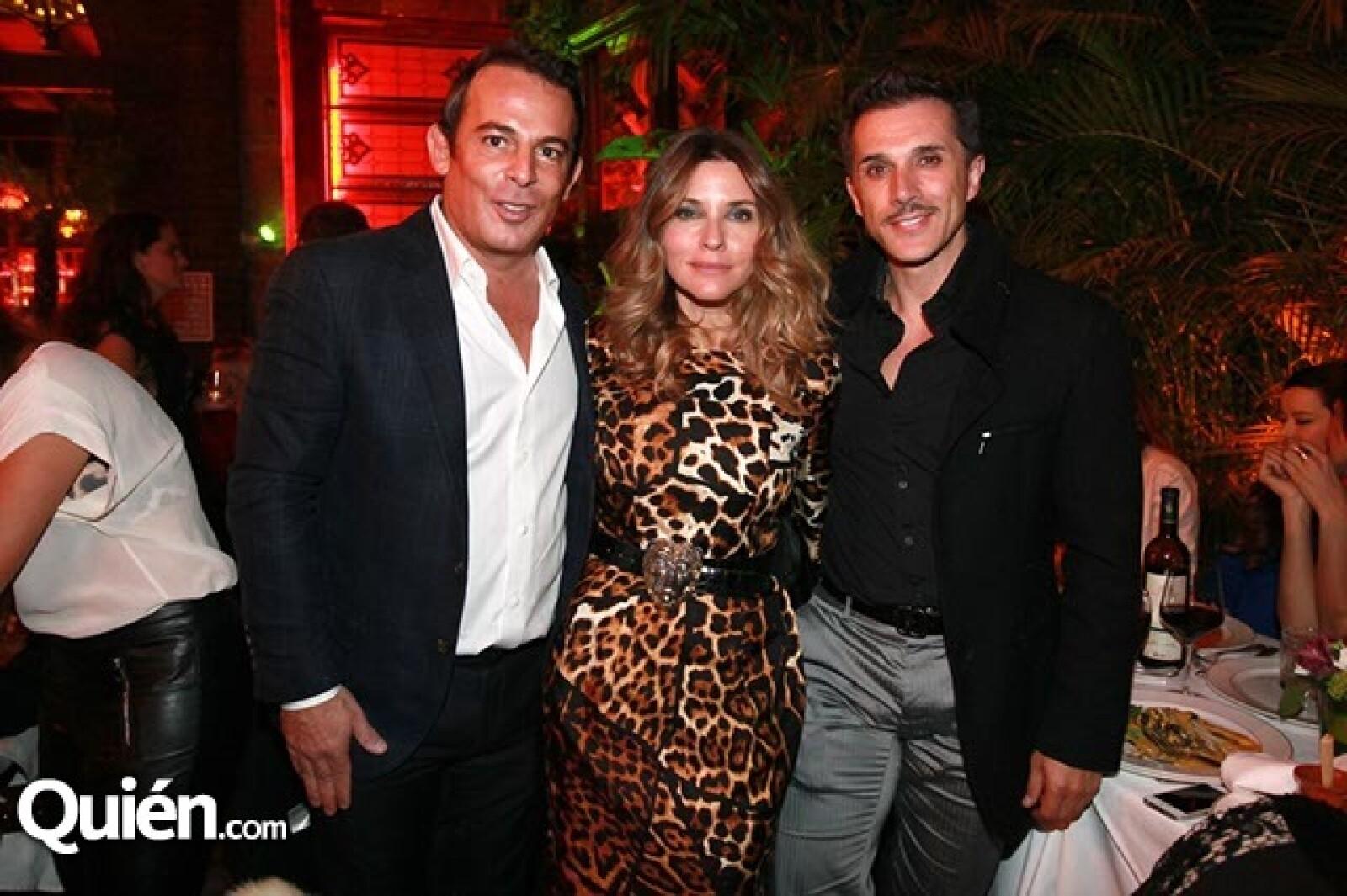 Eugenio López,Issabela Camil y Sergio Mayer