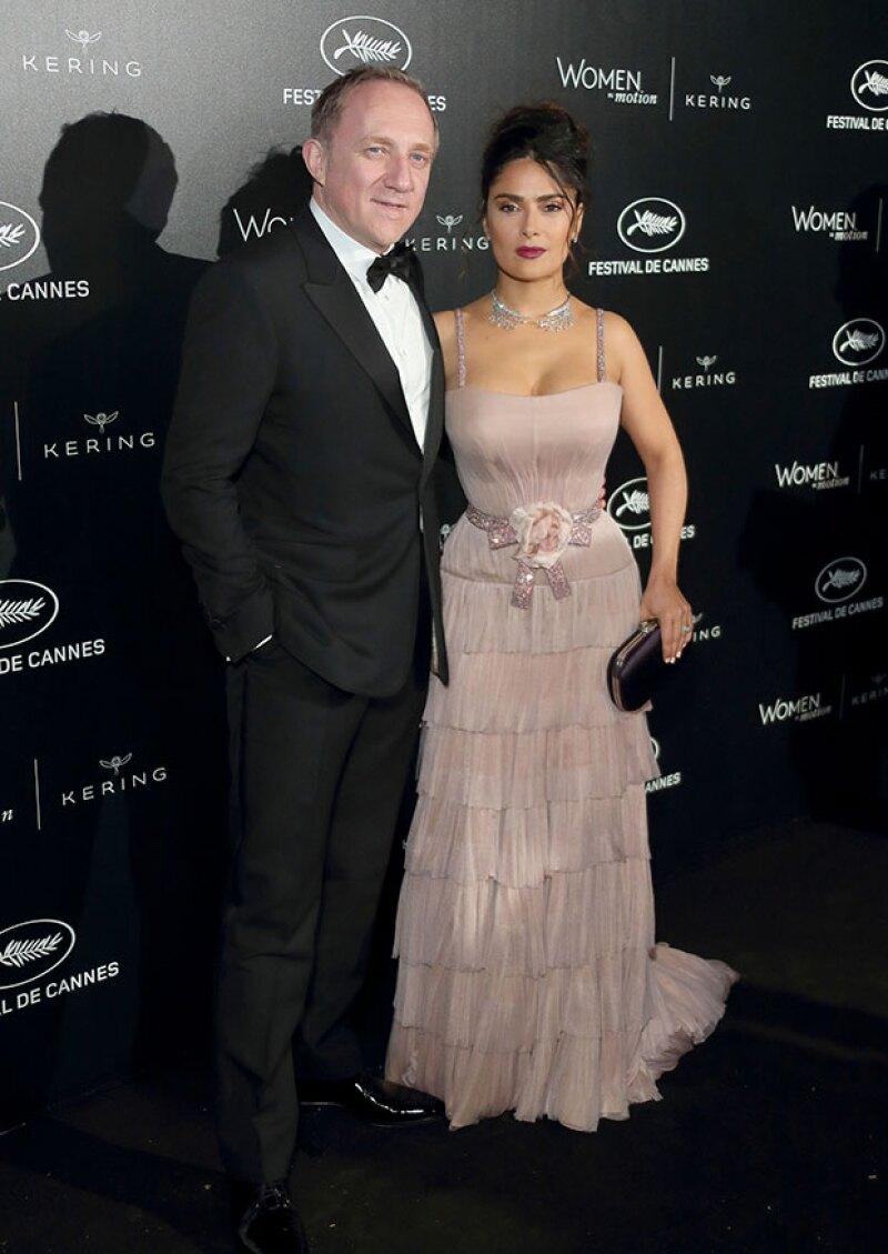 Salma y su esposo, anfitriones del evento que reconoce el papel de la mujer en el cine.