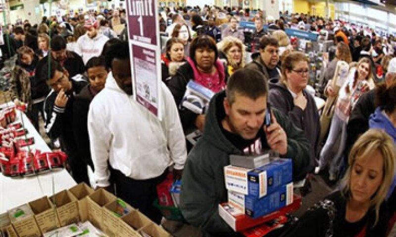 Tradicionalmente, las tiendas ofrecían descuentos la mañana del viernes posterior al Día de Acción de Gracias.  (Foto: AP)