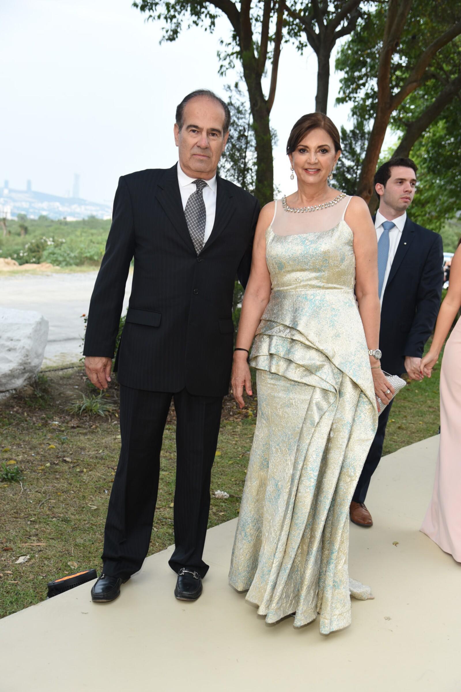 Carlos Ayub y Marissa Ayub.jpg