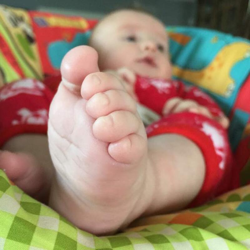 La mamá del pequeño y esposa de Jaime Camil, Heidi Balvanera, compartió una tierna fotografía en la que aparece su segundo hijo, quien apenas cumplió meses de nacido.