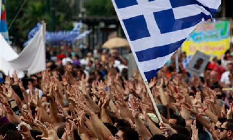 Las manifestaciones afuera del Parlamento durante los días de votación dejaron más de 300 heridos. (Foto: AP)
