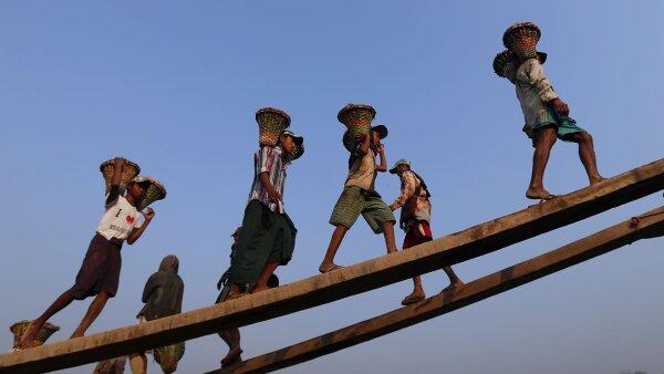 99 millones de los menores trabaja en el sector agrícola, según la OIT.