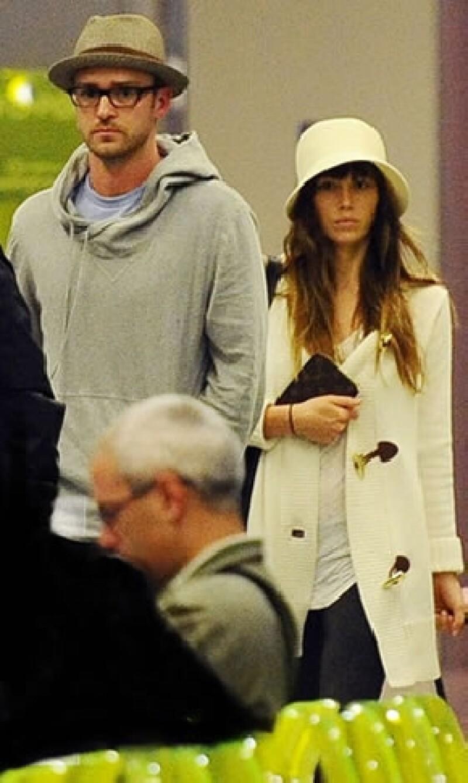 La pareja recién casada, Timberlake y Biel, fue vista en el aeropuerto de Italia, a dos días de su gran boda.