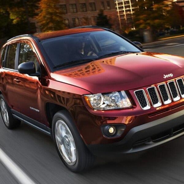 A diferencia de la generación anterior, que sólo se podía adquirir con tracción total, el Compass 2012 brinda versiones de tracción delantera y total.