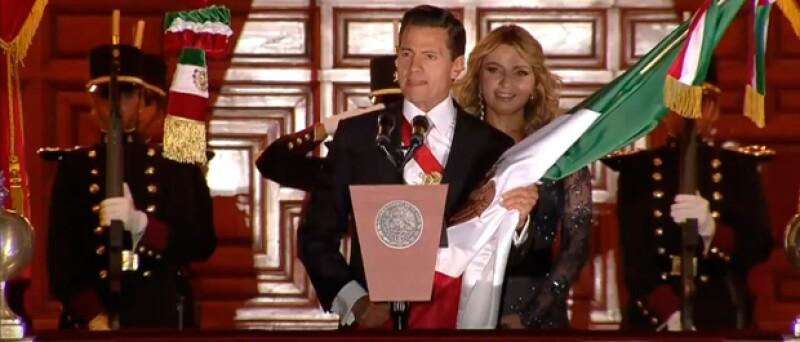La esposa de Enrique Peña Nieto le dio su propio toque a su outfit para ir ad hoc a las fiestas patrias.