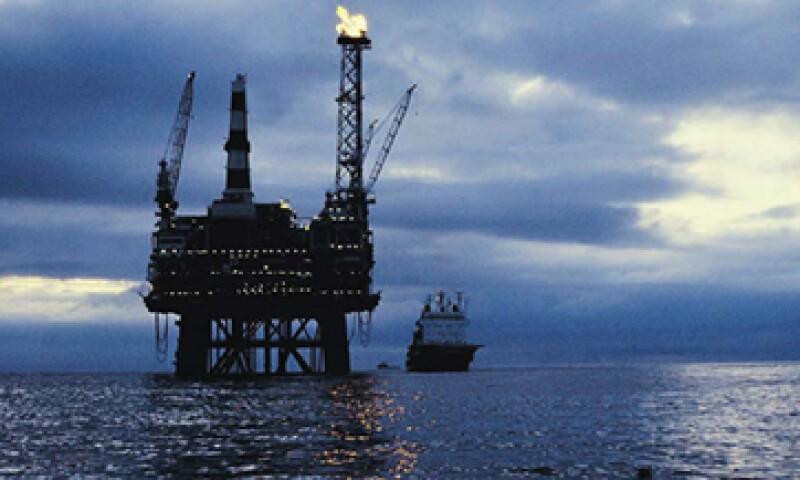 Durante los gobiernos de Vicente Fox y Felipe Calderón los ingresos petroleros representaron más del 30% del presupuesto público. (Foto: Thinkstock)