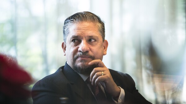 Luis Humberto Fernández, el titular de la Autoridad Educativa Federal en la Ciudad de México