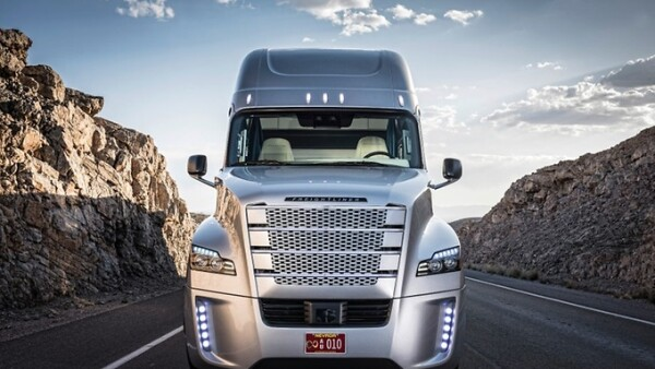 Daimler es otra de las empresas que experimenta con este tipo de vehículos.