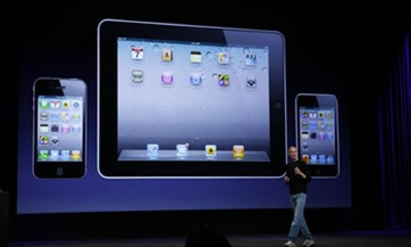 Los analistas esperaban una utilidad por acción de 5.85 dólares de Apple, la firma de Steve Jobs. (Foto: Reuters )