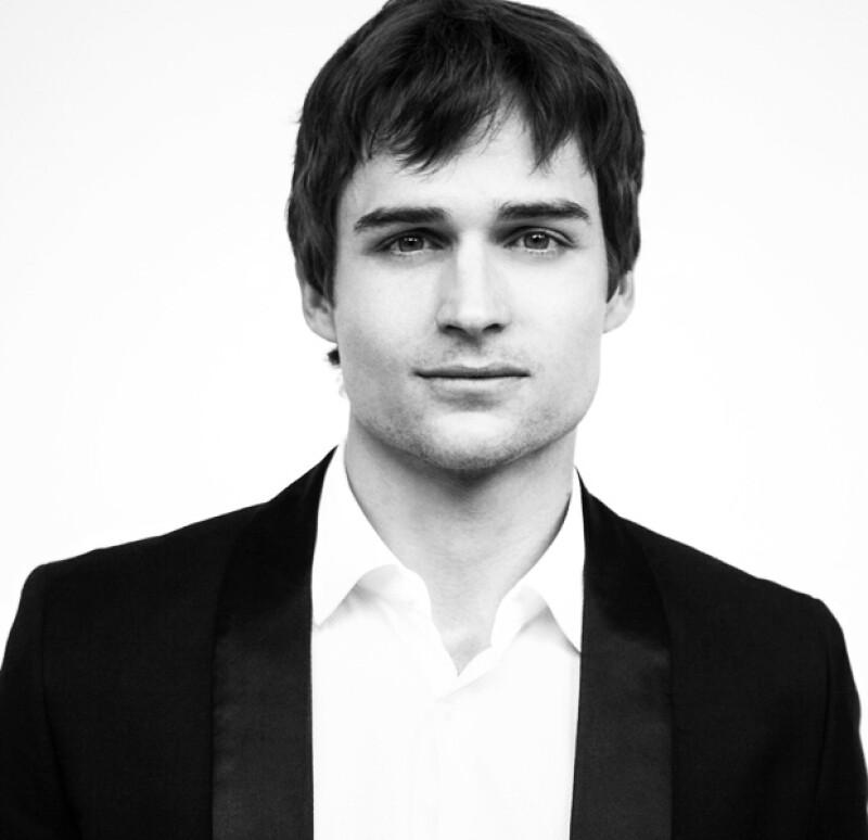 Jon Ecker, uno de los Solteros en la Mira de Quién.com