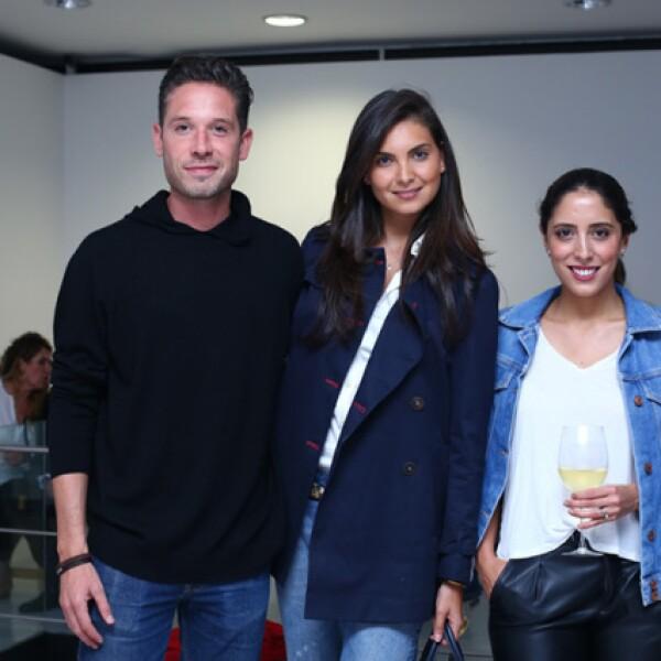 Alan de la Peña, Mariana Herrera y Michelle Philippe