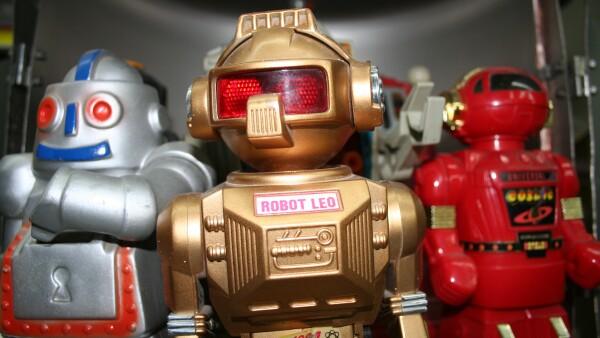 Son robots elaborados de materiales reciclables: Aluminio y metal, los m�s utilizados