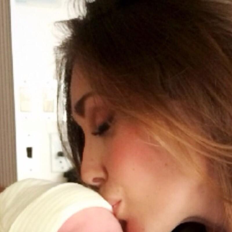 La cantante presumió en Instagram a su sobrino recién nacido Patricio, el tercer hijo de su hermana Marichelo Puente.